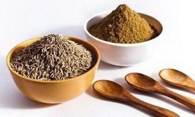 Kumin (Cuminum cyminum) - indijski začin koji topi masne naslage