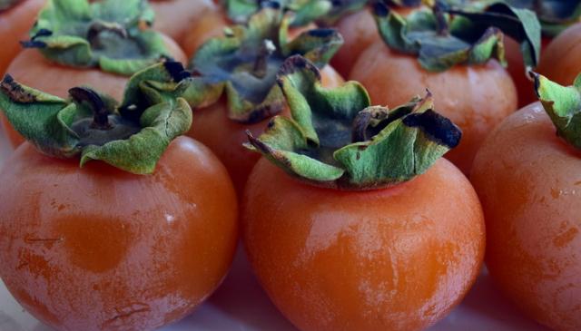 Japanska kaki jabuka - voće sa Istoka koje nazivaju hranom bogova!