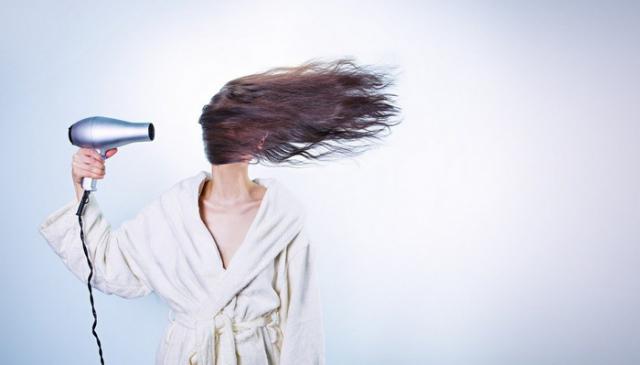 Vitamini za rast kose - biljke, hrana i vitamini koji su ključni za vašu kosu
