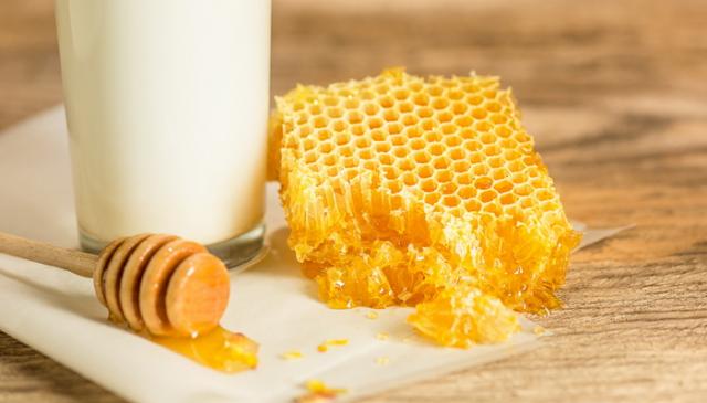 Pčelinji vosak - koje su dobrobiti ovog neverovatnog, prirodnog leka?
